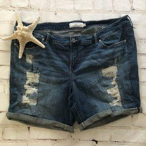 TORRID Distressed Blue Jean Shorts size 26